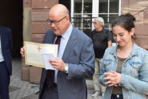 Remise du Prix de l'AFDMA par notre Délégué régional pour le Grand Est, Cyrille Schott, le 06.07 2018 à Noa Stefani-Szahl au Collège St Etienne de Strasbourg